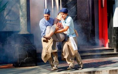 Armando coloca fogo no Café e Clarita desmaia em Chiquititas